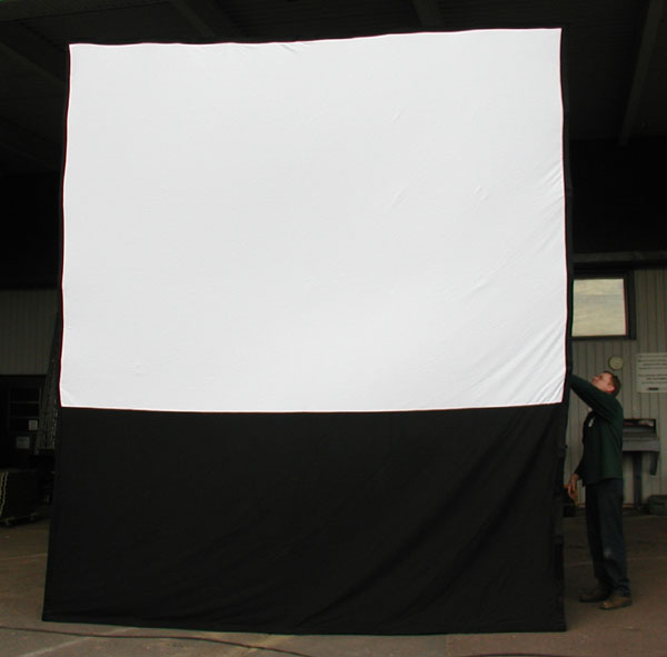 how install projection screen